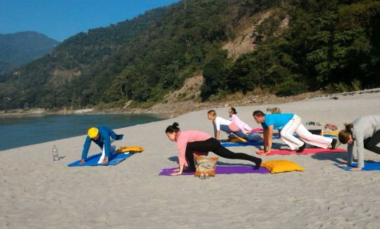 200 hours teacher training in rishikesh